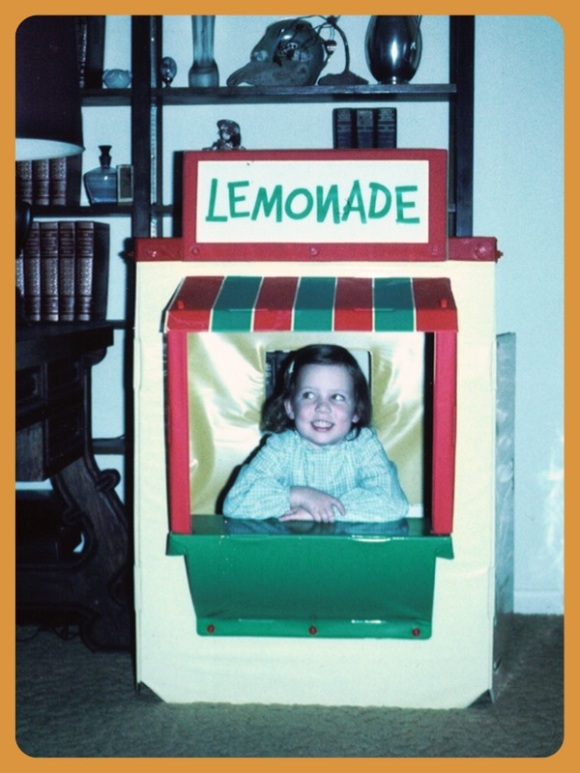 old school lemonade stand